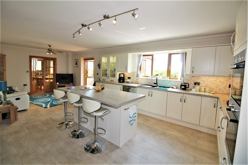 Kitchen/Breakfast and Sitting Room